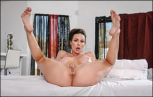 Brunette MILF Kendra Lust teasing with her perfect body