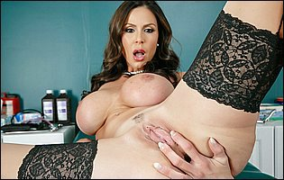 Gorgeous doctor Kendra Lust stripping and loves teasing