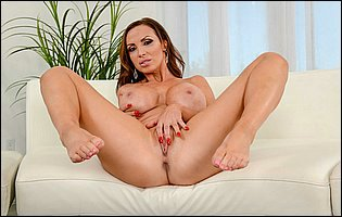 Nikki Benz strips her short red dress and showing hot nude body