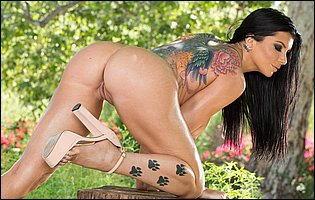 Romi Rain takes off sexy bra and panties and teasing with hot body outdoor