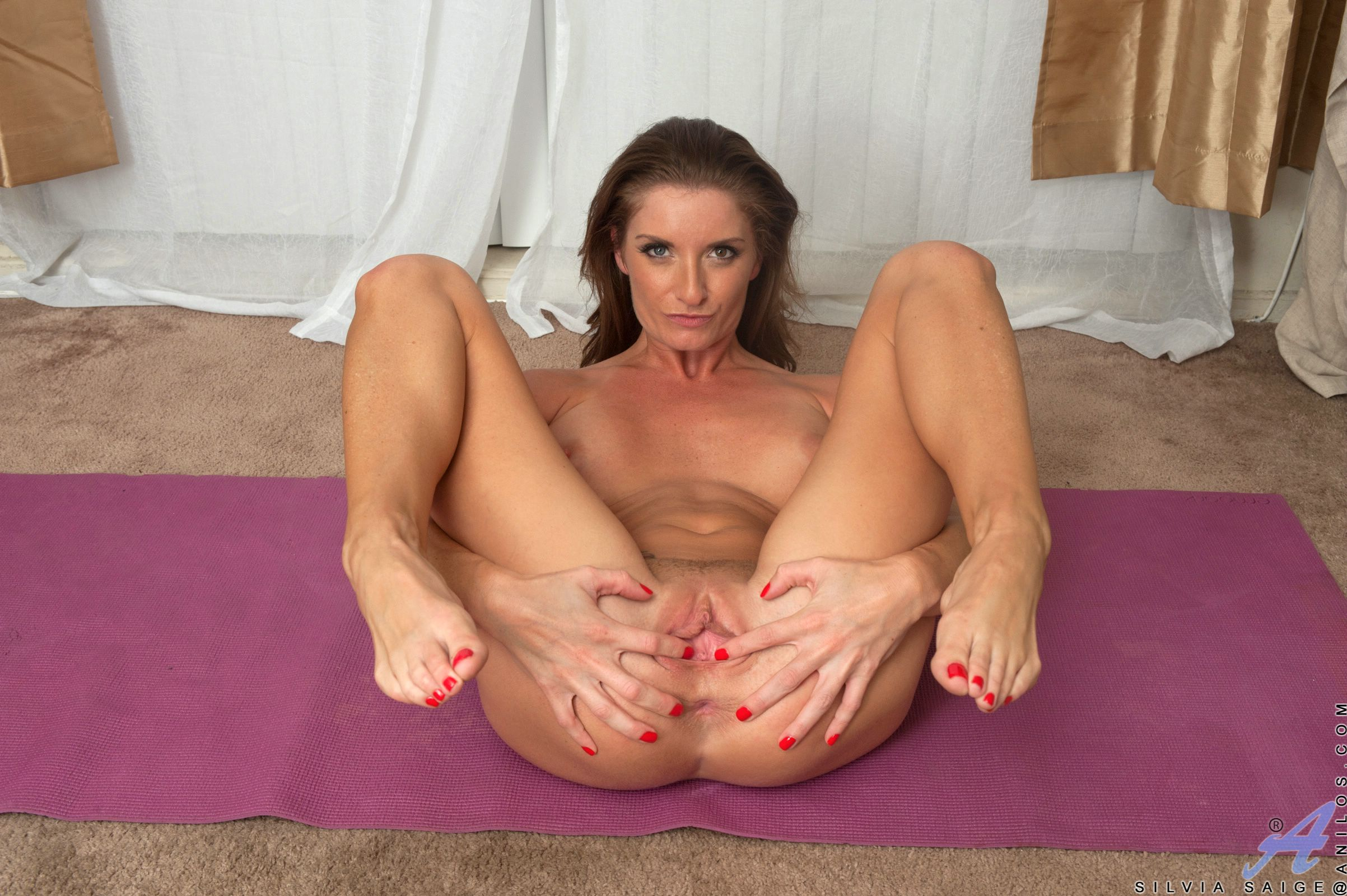 Beautiful muslim mom have a sexy tight pussy