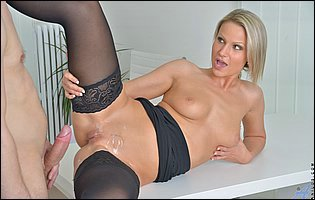 Gorgeous secretary Samantha Jolie getting banged in the office