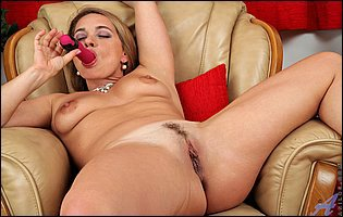 Olga Cabaeva teasing with hot body and sticks a pink dildo in her pussy