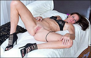 Sofie Marie in sexy black lingerie and heels teasing with hot body