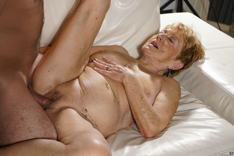 Granny Seduction Gay Porn David Alex Piss Sex