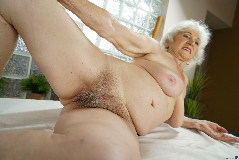 Free hairy granny pussy