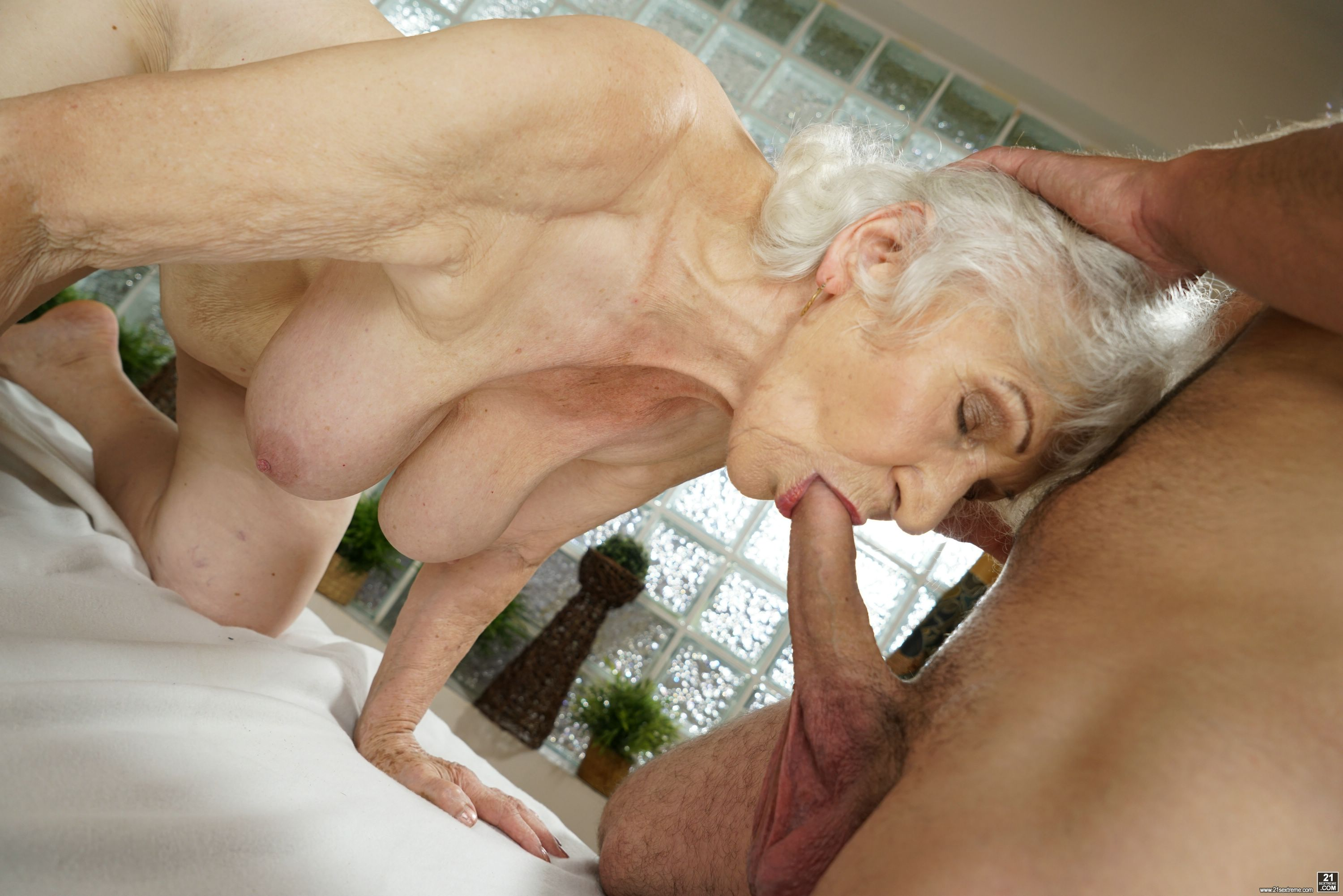 Old woman norma bangs with a young dick