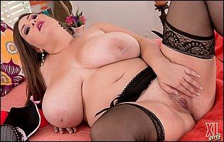Jennica Lynn in black stockings and high heels loves teasing
