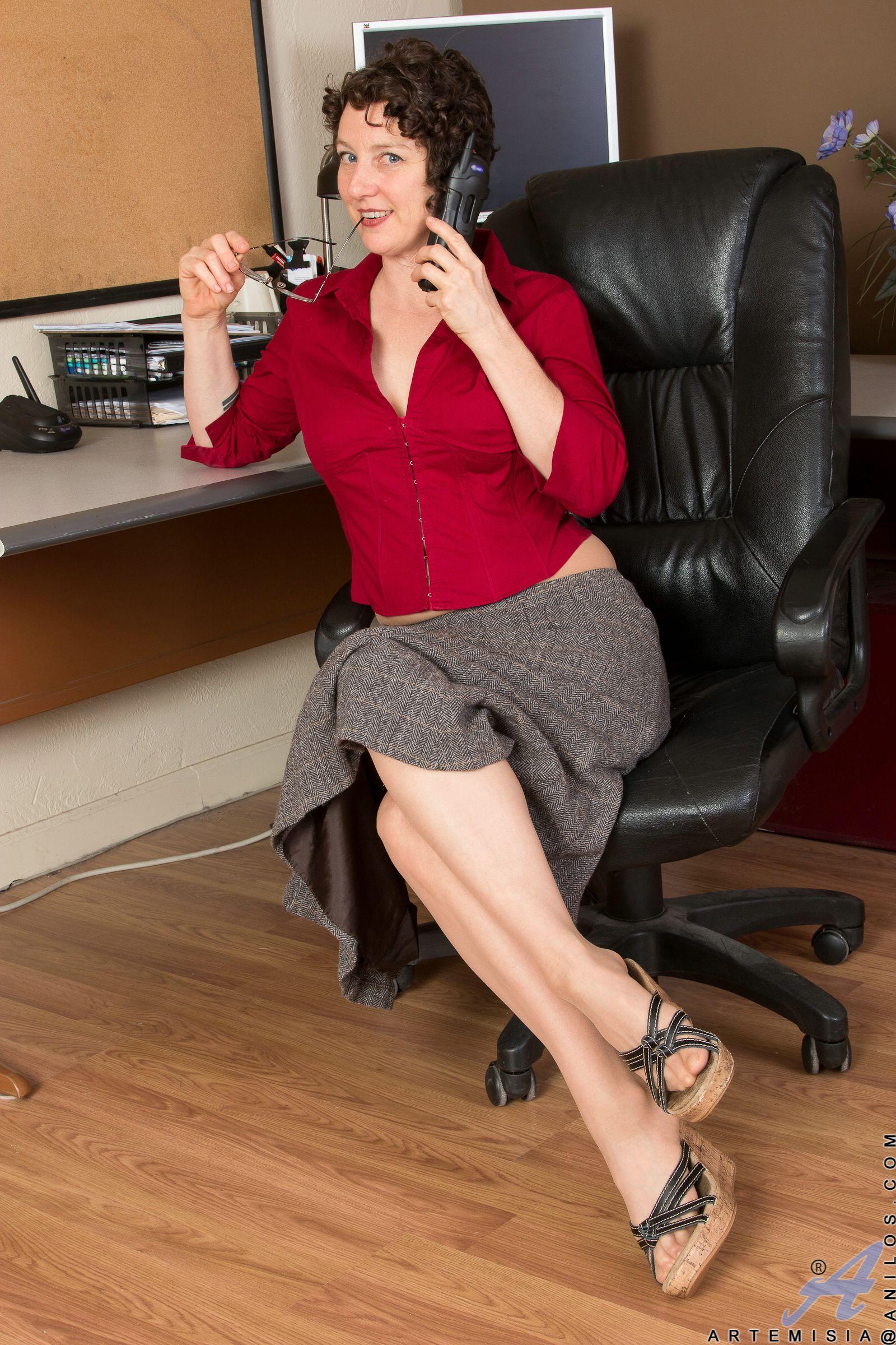 hot mature office mature nude