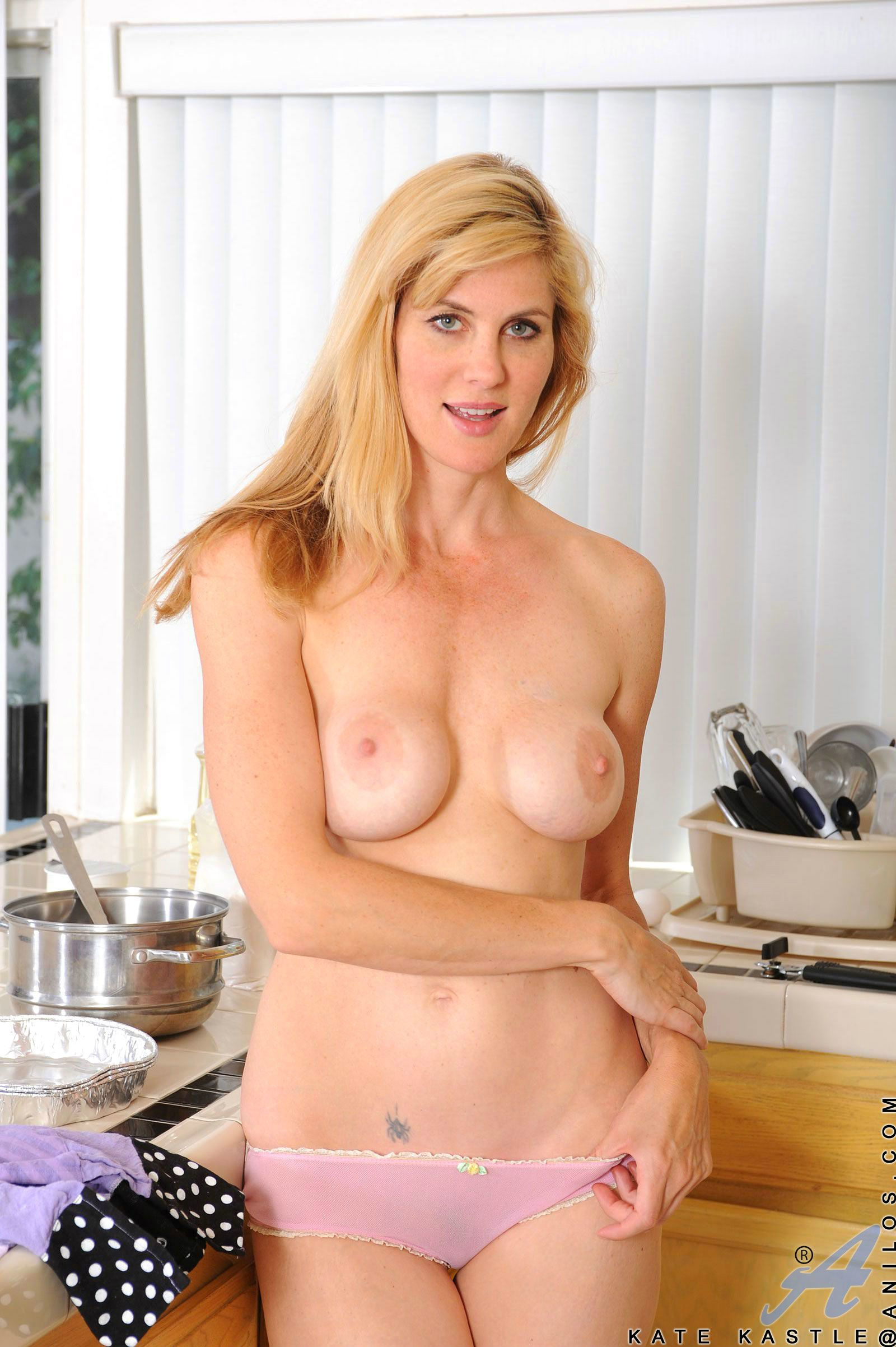 Kate Kastle Posing Naked And Sensually Touches Her Pussy -8874