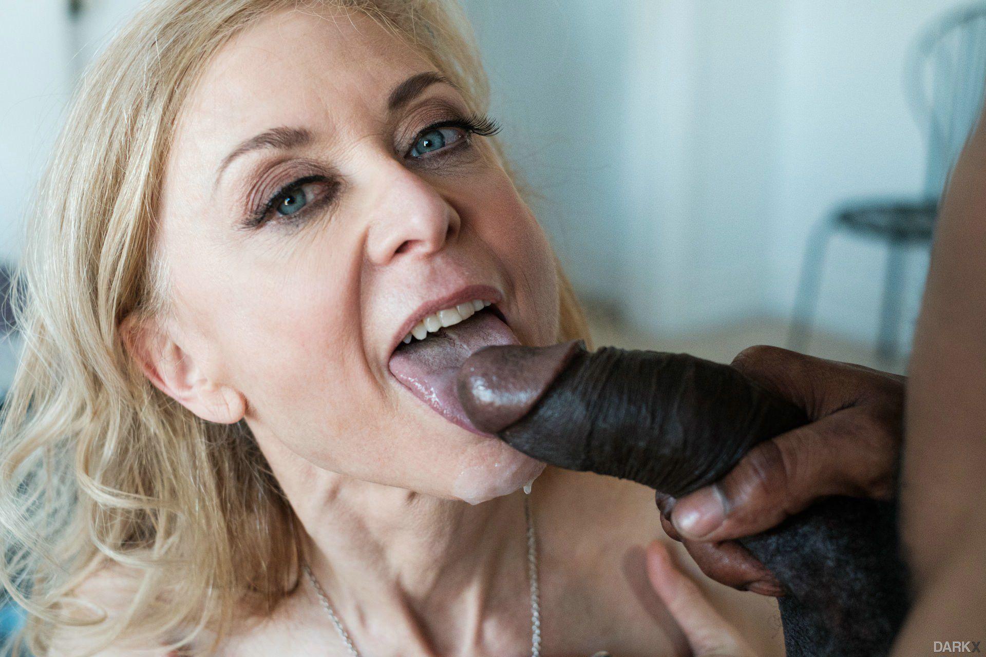 Love Sucking My Cock