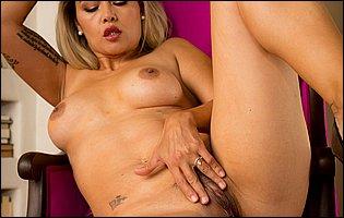 Dana Vespoli getting nude and presents her tight body