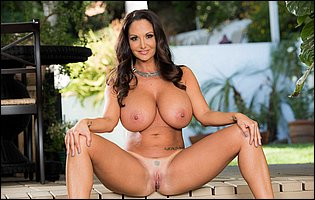 Ava Addams reveals her huge boobs outdoor