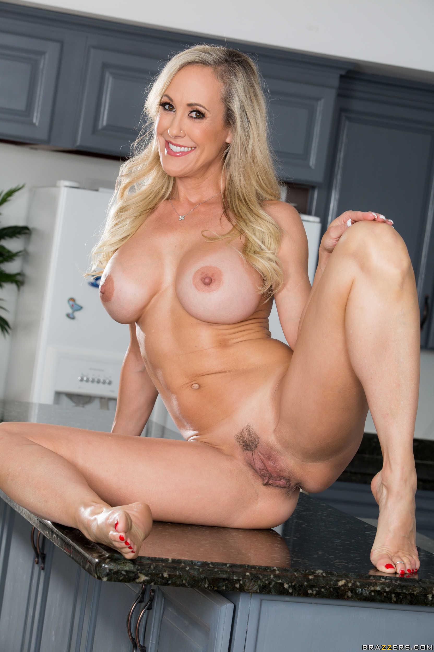 Great looking, blonde milf, brandi love spread her legs wide to get her pussy licked
