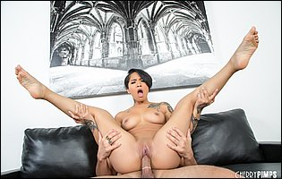 Exotic beauty Honey Gold is getting a hard fuck on couch