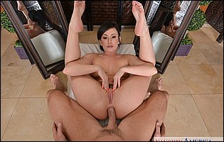 Hot beauty Jennifer White getting anal fucked in POV