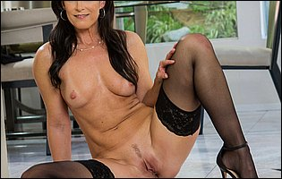 India Summer strips off her sexy black dress and underwear