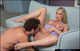 Gorgeous sporty MILF Rachael Cavalli seduces her personal trainer