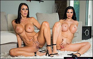 Jasmine Jae and Reagan Foxx exposing their hot bodies