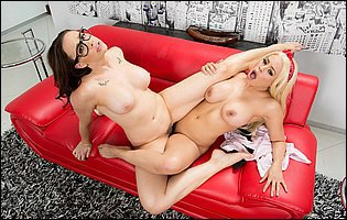 Chanel Preston and Luna Star get lezzing