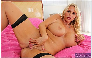 Karen Fisher loves showing her hot body and big boobs