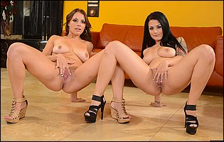 Katrina Jade and Kayla West getting nude and exposing hot bodies