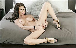 Jessica Jaymes getting naked and touching herself