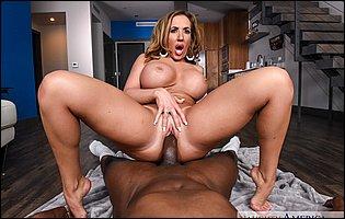 Richelle Ryan - Naughty America